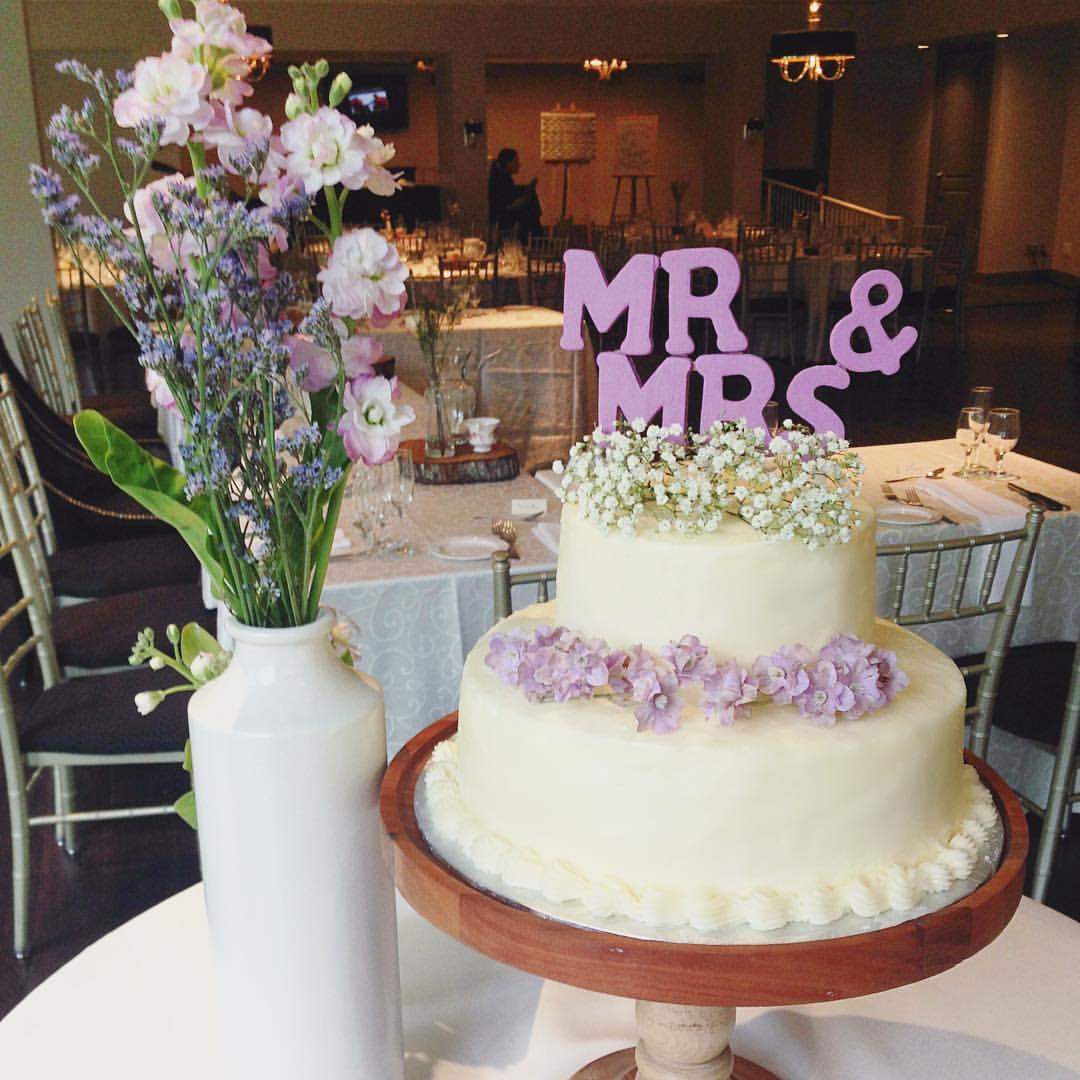 Mr Mrs Vanilla Buttercream Wedding Cake Baking In Fashion